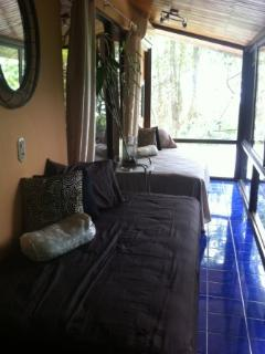 Sunroom with incredible views and 2 extra twin beds