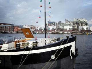 Boat&Breakfast de Dageraad, Ámsterdam