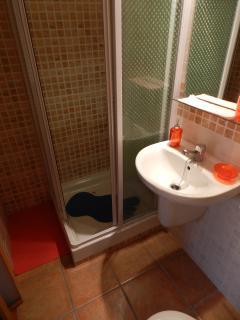 baño habitación doble nivel superior