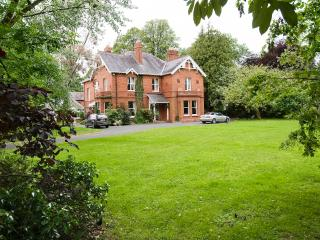 Glenmore Manor - Luxury Victorian House with Heated Swimming Pool : Sleeps 17