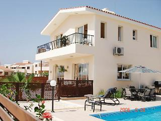 3 Bedroom Villa with Heated Pool, Chloraka,Paphos, Chlorakas