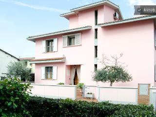 The Vivoli Villa, House and Apartments