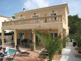 CASA ESPINA- Hi Speed WiFi, Pool, Hot Tub & Sat TV, Cala Murada