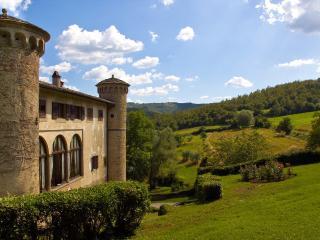 Castello di Galbino - A fairy tale castle, Anghiari