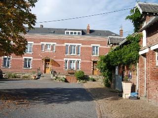 Le Clos Verlaine : B&B A family Suite,, Arras