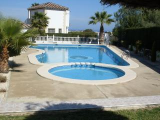 Very Quiet 2 Bed 2 Bath Apt in Las Violetas Across From Villamartin Plaza