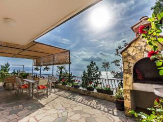 Apartment with stunning view, Mimice
