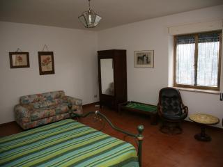 camera 'suite luciano bonaparte', tanto spazio per un meritato e suntuoso riposo