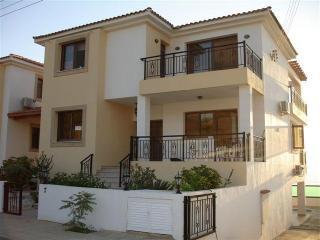 Villa 2276-Πόλις, Pomos