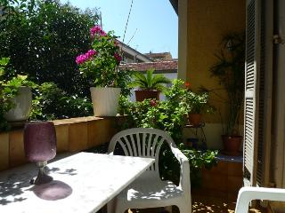Quiet apartment in a townhouse, 2 terraces, Nice Port just 300m from the water