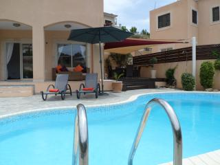 Villa Hunter   WIFI  & Heated Pool