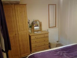 Tanglewood Cottage - Double bedroom