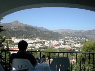 Villa Rosa : Panoramic views, full air-con, wi-fi, Orba