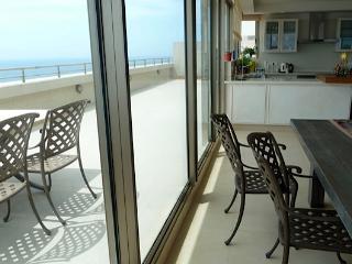 Dreamy penthouse on the beach