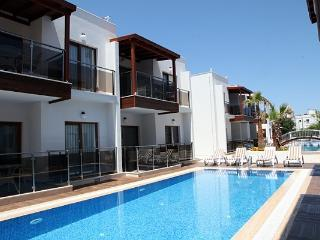 257-Turgutreis 1 Bed Aparts With Shared Pool
