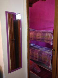 Ingresso camera con letto a castello+letto singolo
