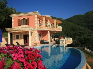 V.I.P Luxury Villa Paradise