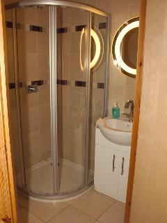 En suite bathroom with shower