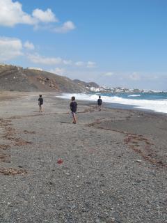 Playa Macenas. Acceso a pie. Playa en el complejo