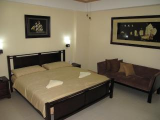 Suite 1602, Spacious Executive 1 Bed Suite Makati Ave.