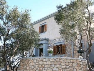 Agrepavlis Villa