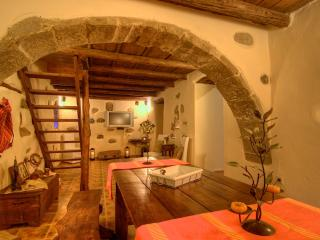 Villa 5 Anemoi, let us travel you to the past century!