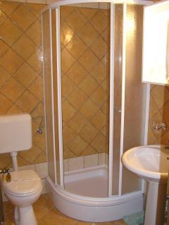 bathroom, Apt for four person