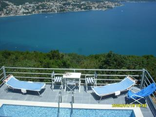 Villa M with pool and great views, Herceg-Novi