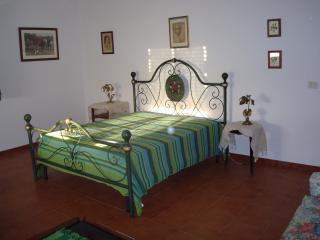camera ' suite luciano bonaparte', il letto antico. Una vera stanza pricipesca