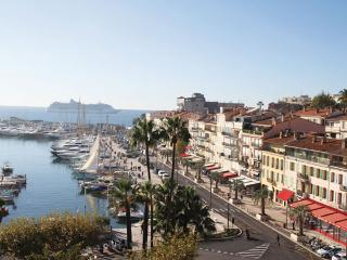 Cannes center close to Croisette & beach 5 pax