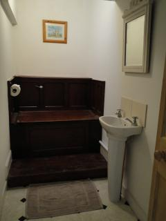 Victorian throne like toilet room!
