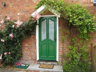 Falstaff Cottage, 3 Bedrooms & 2 Bathrooms,  Stratford upon Avon Sleeps 5