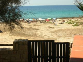 Vista spiaggia di fronte alla Villa