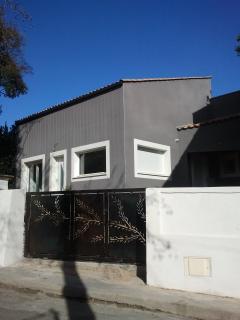 La villa, côté rue