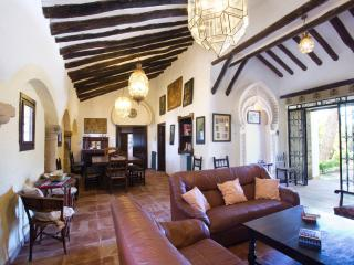 Large Cortijo in the heart of Andalusia with pool, Málaga