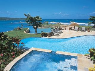 *PLEASE ENQUIRE FOR SPECIAL RATES* Luxury 7 Bed Fully Staffed Beachfront Villa