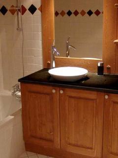 Villa Vallet 1 Bathroom