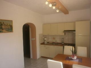 Two-Bedroom Apartment with shady Terrace, Krk