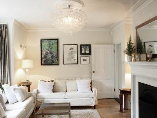 Gorgeous Victorian Detached, centre of Henley, Henley-on-Thames