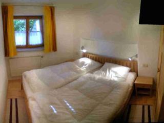 LLAG Luxury Vacation Apartment in Trostberg - 730 sqft, modern, stylish, high-quality (# 5275), Trostberg an der Alz
