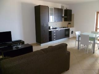 Forth floor apartment in Fioribello, pizzo 33