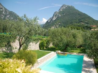 The Olive House Garden And Pool, Gargnano