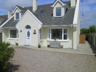 Spacious House  in  Connemara  Seaside Village