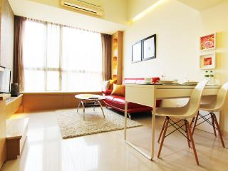 Luxury Serviced Apts near MRT Taipei 101 with pool