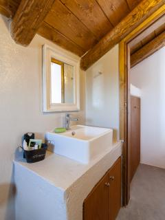 Attic-en suite bathroom