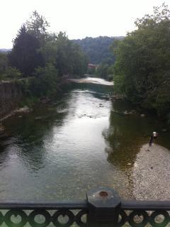Río sella desde los jardines delante del apto.