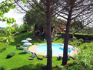 2 bedroom Villa in San Gimignano, Tuscany, Italy : ref 5228787
