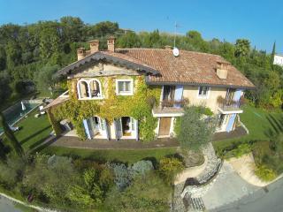 LA CRIOLDA Charme & Luxury Resort  ROMANTIC SU, San Felice del Benaco