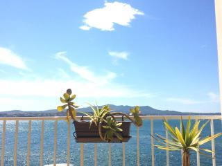 F2 corniche des baux SANARY FRont de Mer Vue mer, Sanary-sur-Mer