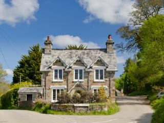 Cross Cottage - Lanhydrock, Lostwithiel